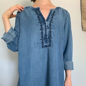Vintage top with embroidered neckline
